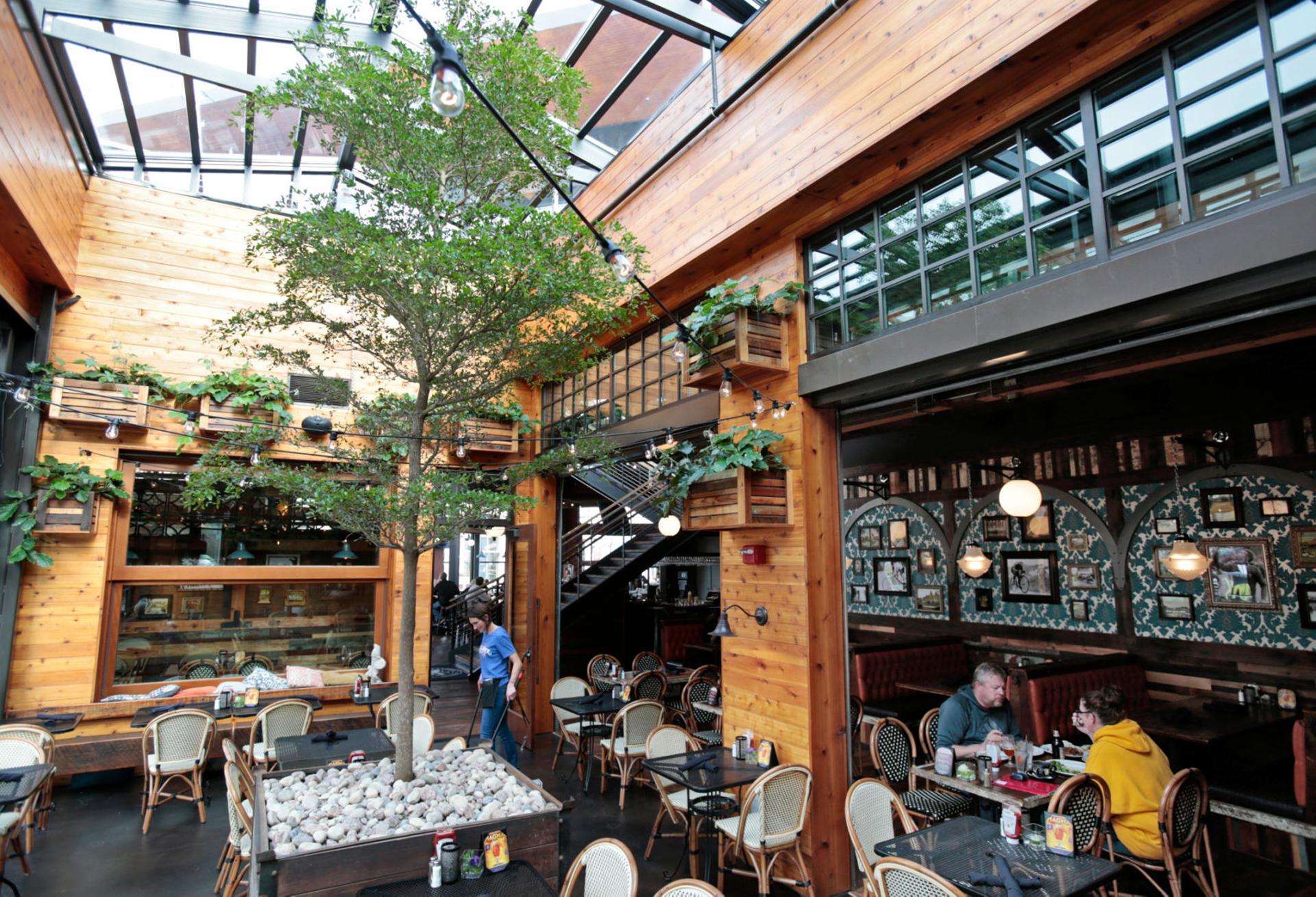 Retractable skylight in restaurant
