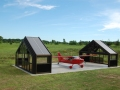 Retractable airplane hangar