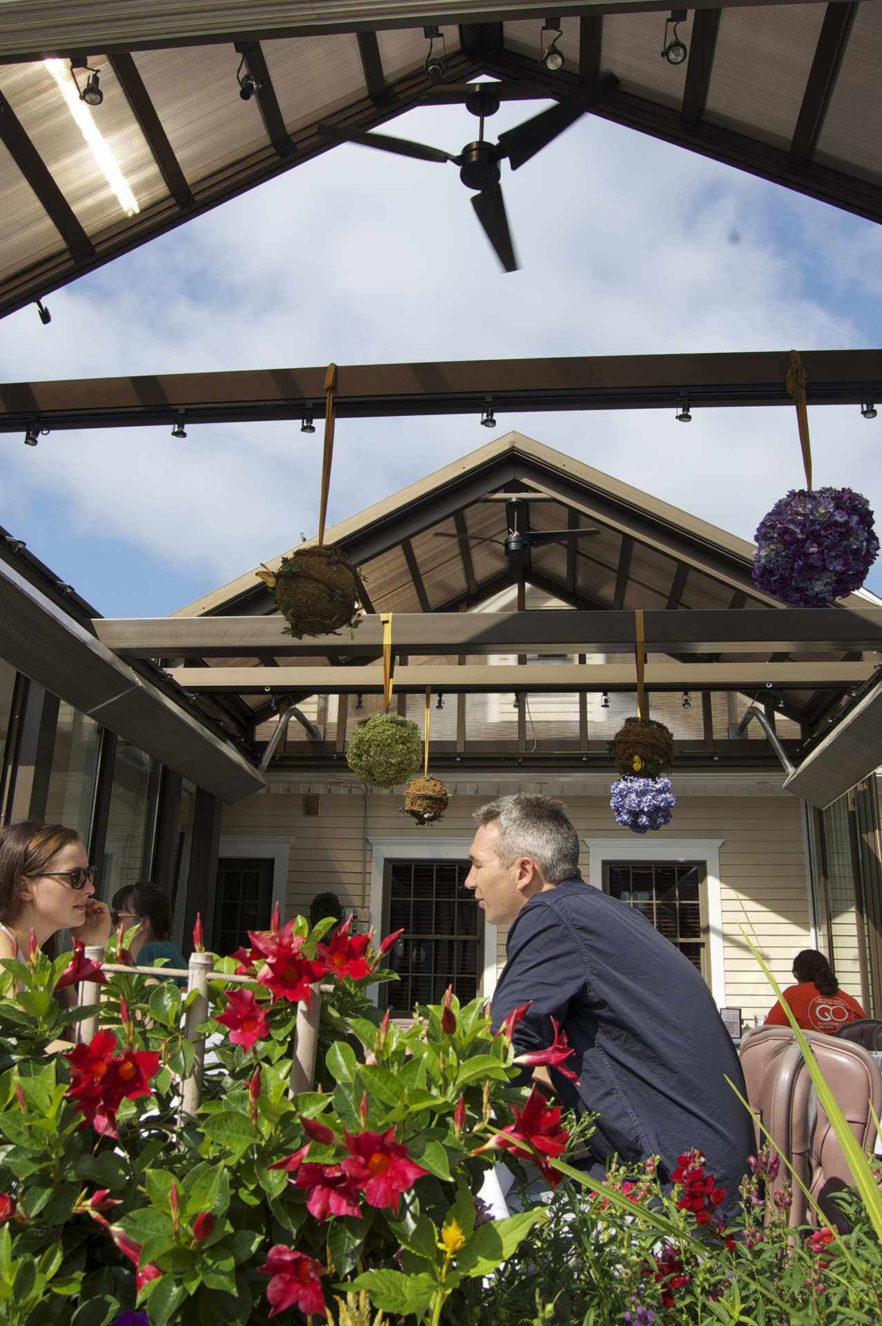 Retractable patio enclosure on restaurant