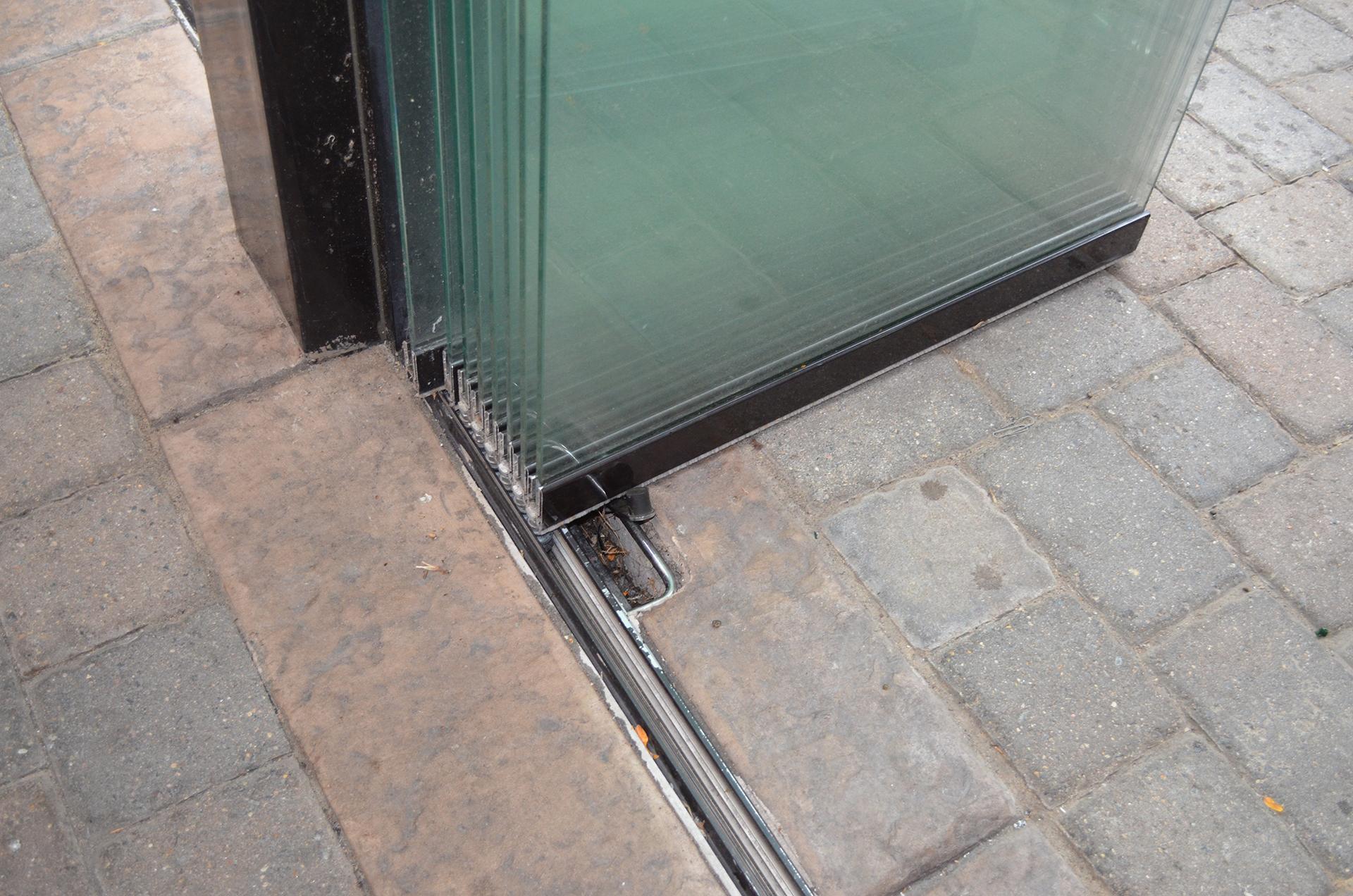 Frameless glass walls stacked